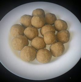 Atta (Wheat Flour) Laddoos Recipe