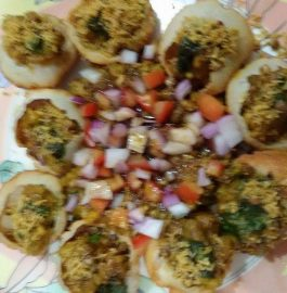 Mini Raj Kachori with Sprouts Recipe