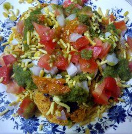 Aalu Poha Tikki Chaat Recipe