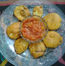 Aaloo Pakode with Tomato Chutney Recipe