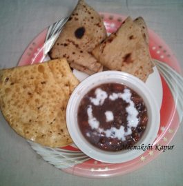 Dal Makhni with Roti and Papad Recipe