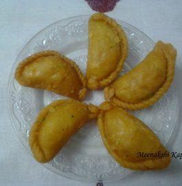 Carrot Gujiya Recipe