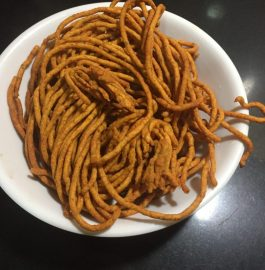 Aalu Gathiya Recipe