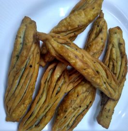 Twisted Mathri Namkeen Recipe