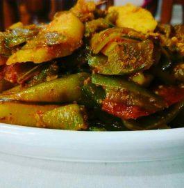 Pea Pod And Potato Curry Recipe