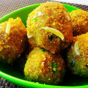 Besan Churma Laddu Recipe