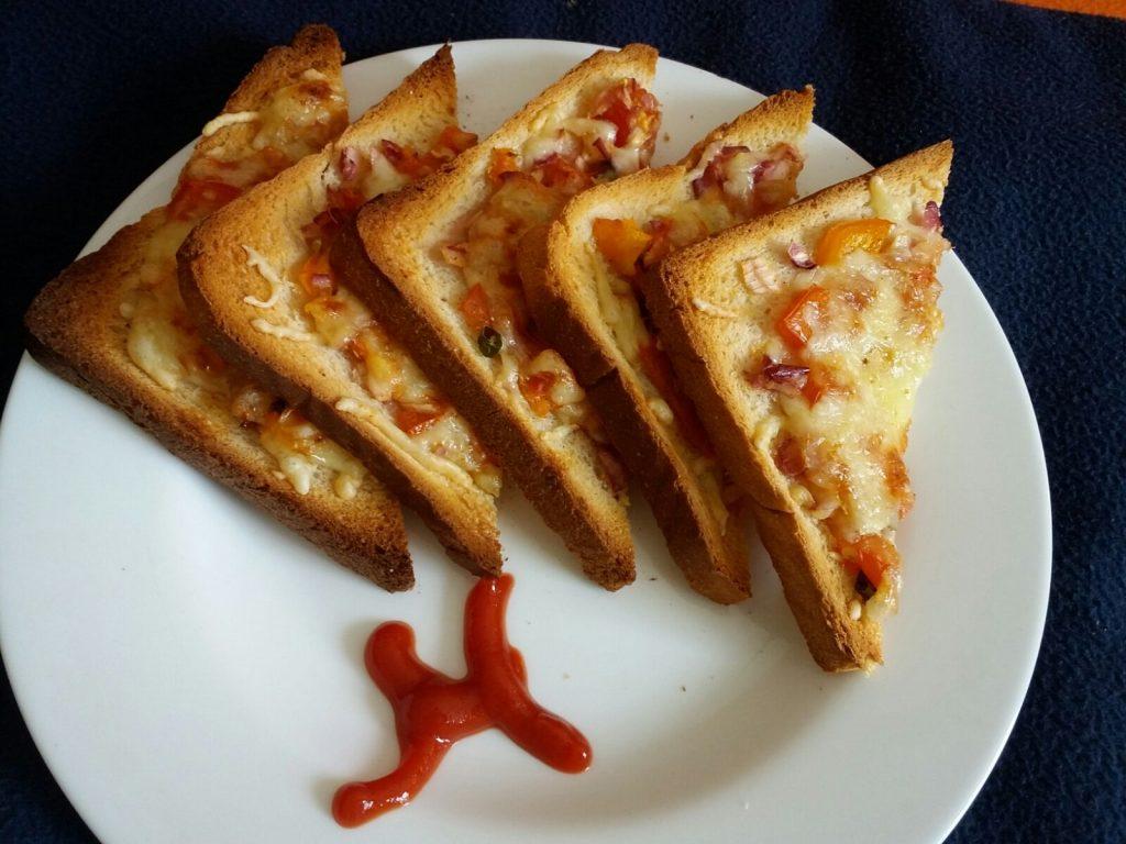 Cheese Chili Toasts Recipe