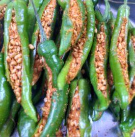 Hari Mirchi ka Achaar ( Methidana Stuffing) Recipe