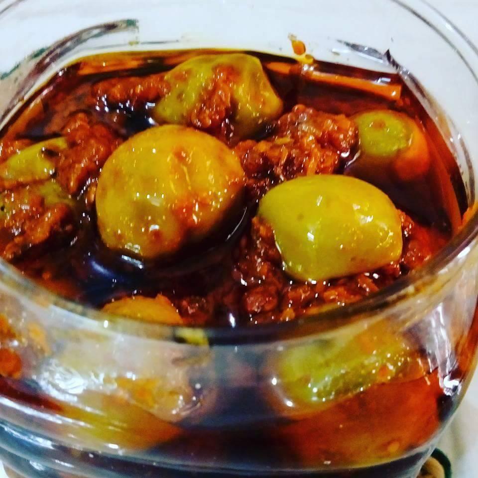 Kerry Goonde (Leswe) Ka Achaar - Tasty Pickle