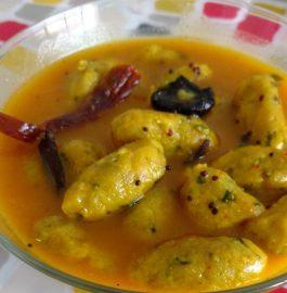 Muli (Radish) Muthiya Gravy Recipe