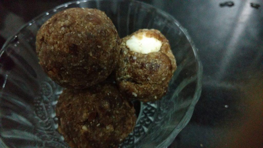 Dates Muesli Balls Recipe