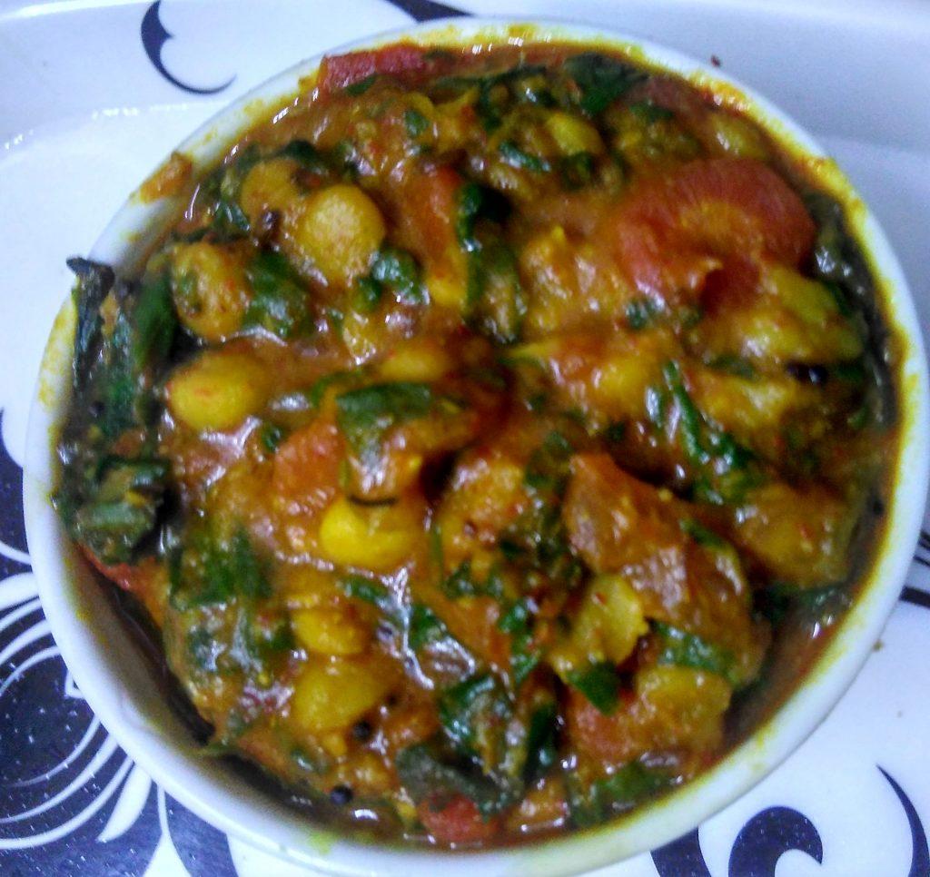 Carrot Spinach Chana Dal Ka Saag Recipe