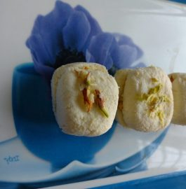 Kesar Malai Sandwich Recipe