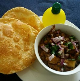 Chhole Bhatoore - Rajasthan Style Recipe!!