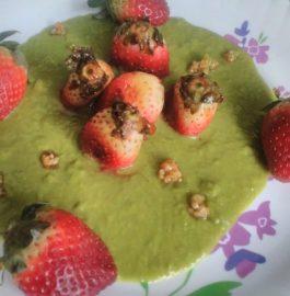 Caramelised Strawberry in Peas Sauce-Tasty