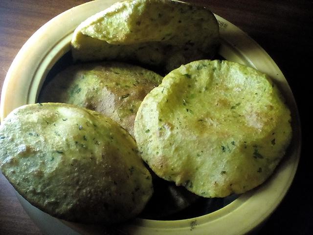Dhaniyewale Puri Recipe