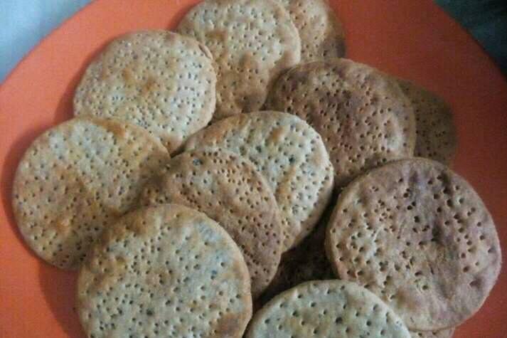 Baked Wholewheat Masala Mathri Recipe