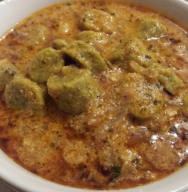 Spinach/ Paalak k Gatte Curry - Rajasthan Special!!