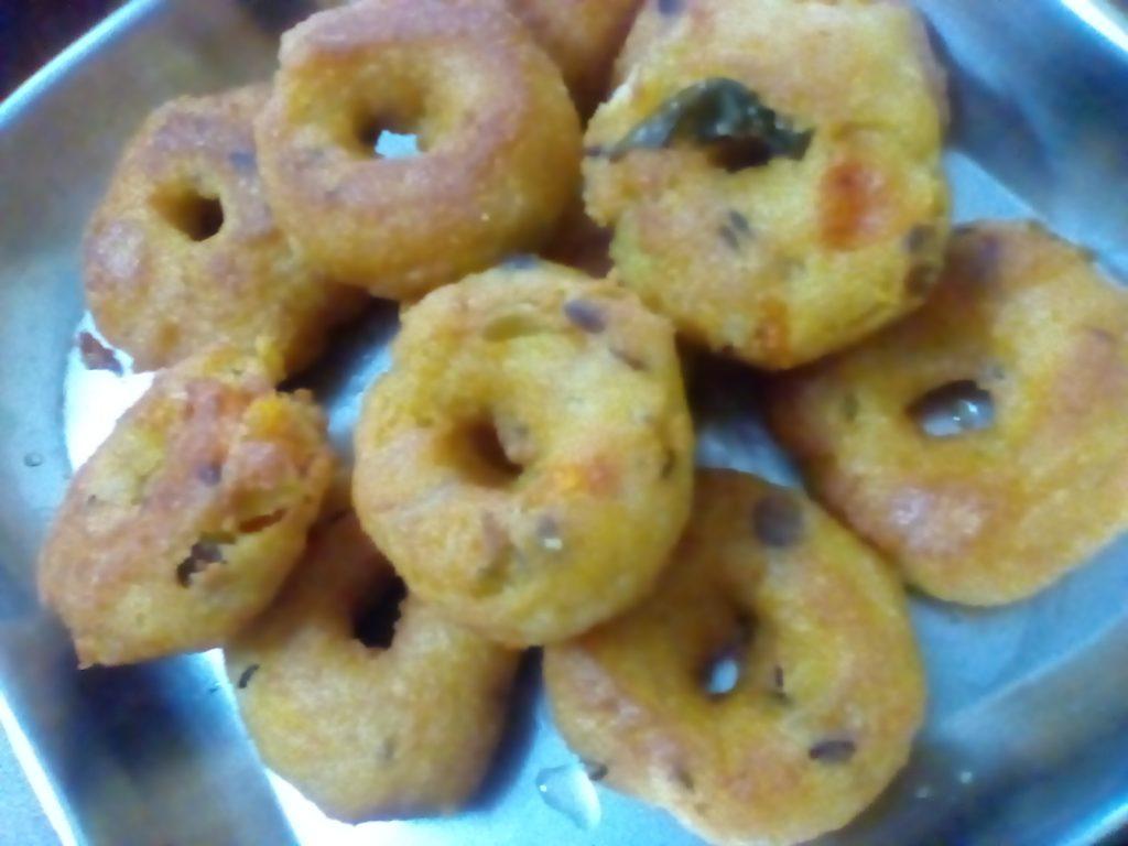 Leftover Upma Vadas Recipe