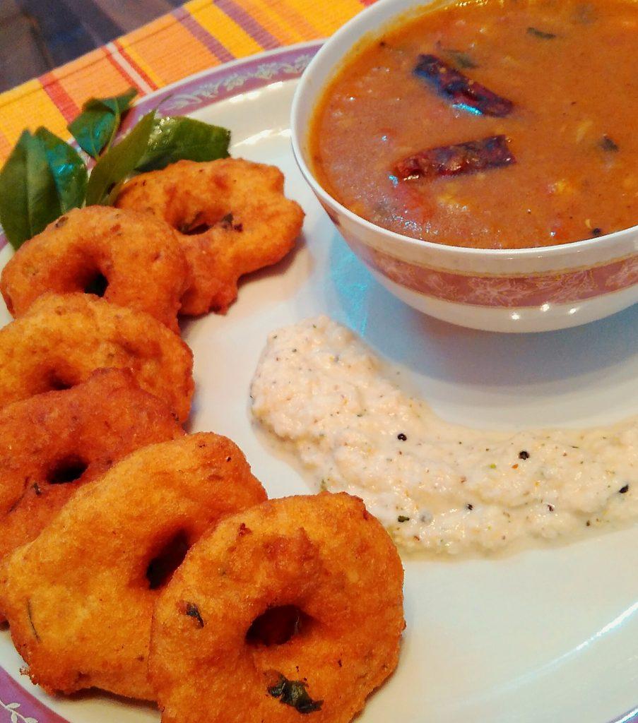 Urad Dal Vada Sambhar And Coconut Chutney
