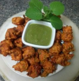 Corn pakoda with mint