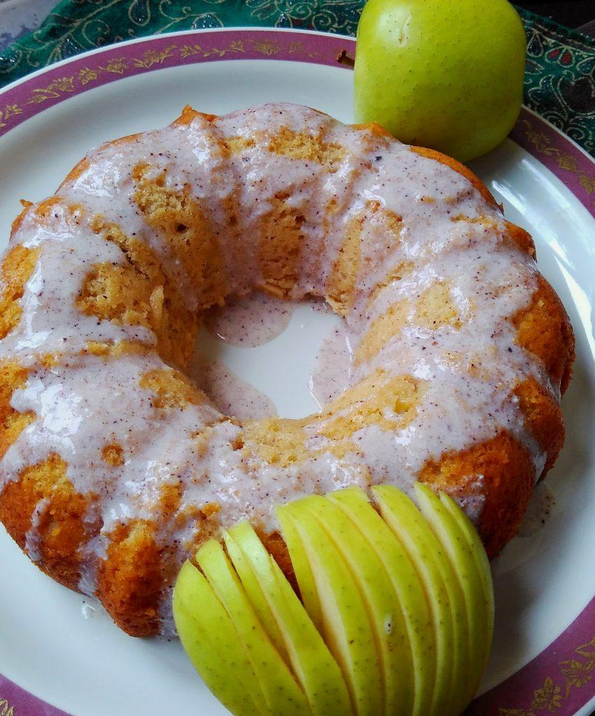 Apple Cinnamon Cake (Eggless) Recipe