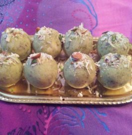 Matar Mawa Laddu Recipe