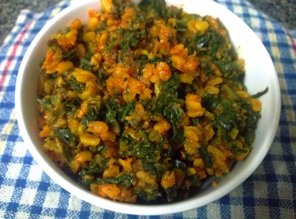 Mooli Patta And Moong Mogar Ka Saag Recipe