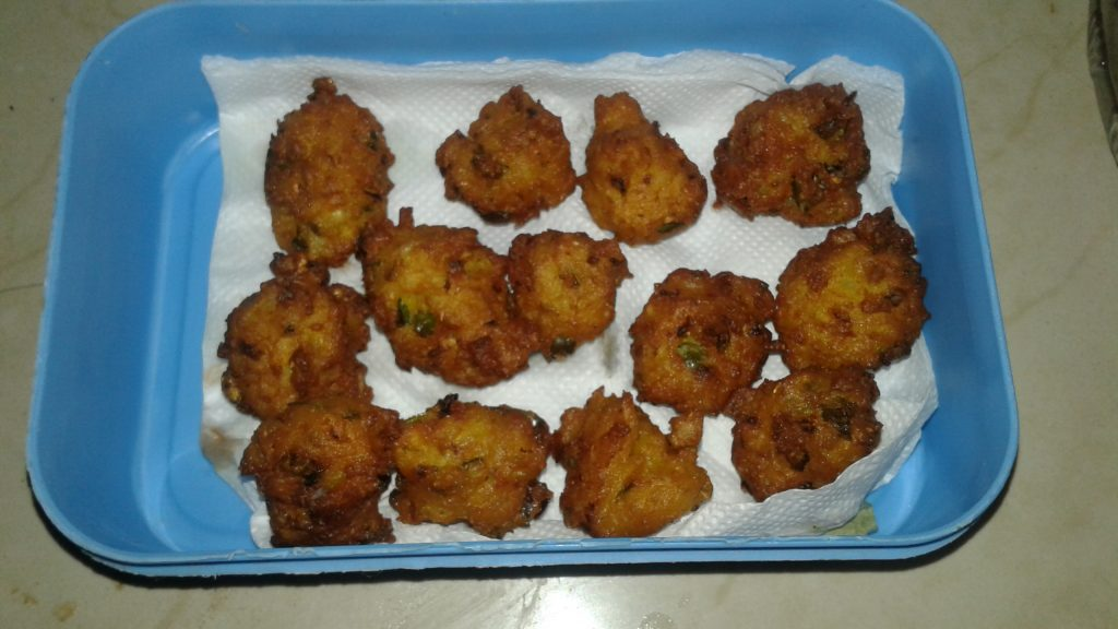 Poha And Makka Pakode Recipe