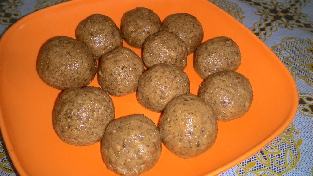 Dry Nuts And Atta Laddoo Recipe