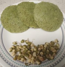 Moong Sprouts And Palak Idli Recipe