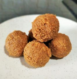 Urad Dal Laddu Recipe