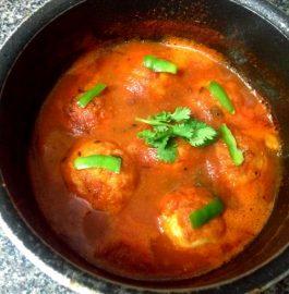 Paneer Kofta in Strawberry Tomato Gravy Recipe