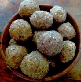 Gond Giri Badam Laddoo Recipe