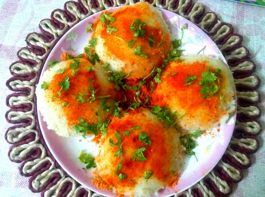 Sooji Oats Idli with Podi Recipe