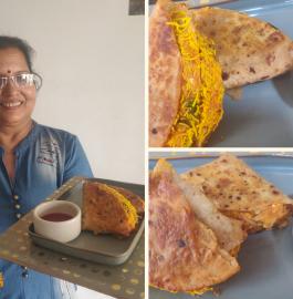 Bachi Roti Ka Samosa | Leftover Roti Samosa Recipe