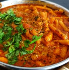 Sev Tamatar Ki sabji | Dhaba Style Sev Tamatar Recipe