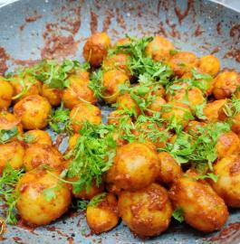 Lasaniya Batata | Lasaniya Baby Potato Recipe