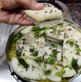 Sandwich Dhokla | White Sandwich Dhokla Recipe