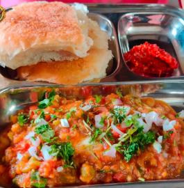 Pav Bhaji | Mumbai Famous Pav Bhaji Recipe