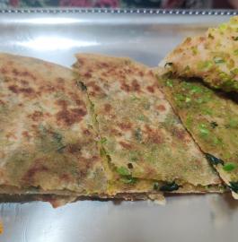 Matar Ke Parathe | Green Peas Paratha Recipe
