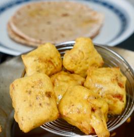 Bachi Hui Roti Ke Pakode | Leftover Roti Ke Pakode Recipe