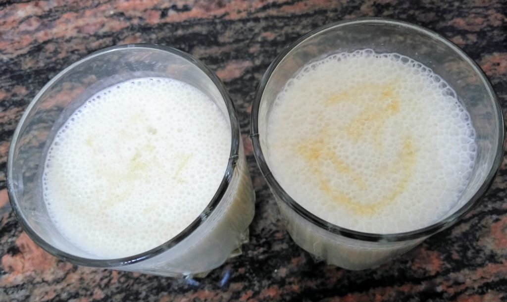 Banana Milkshake with Honey