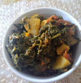 Palak Aloo Tamatar ki Sabzi Recipe