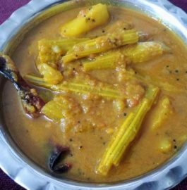 Drumsticks Potatoes Curry recipe