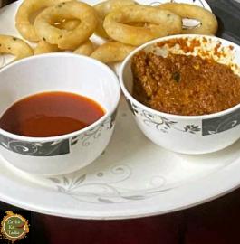 Kodambillallu | Golden Rings With Chutney Recipe