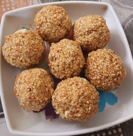 Til Jaggery Laddoo Recipe
