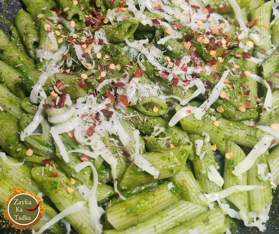 Spinach Garlic Pasta | Green Sauce Pasta Recipe