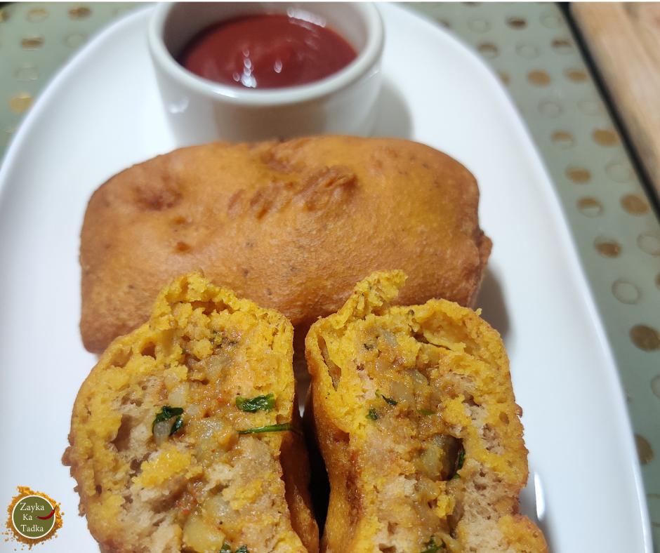 Bread Pakoda | Potato Stuffed Bread Pakoda Recipe